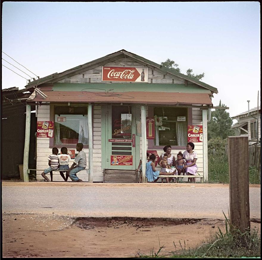 gordon-parks-segregation-story-03