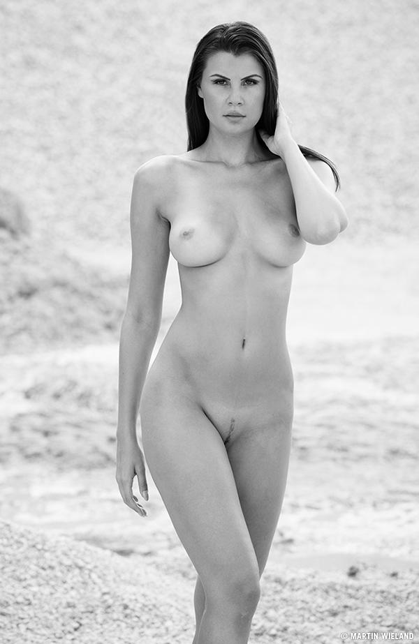 olga,desert,nude,sun,sand
