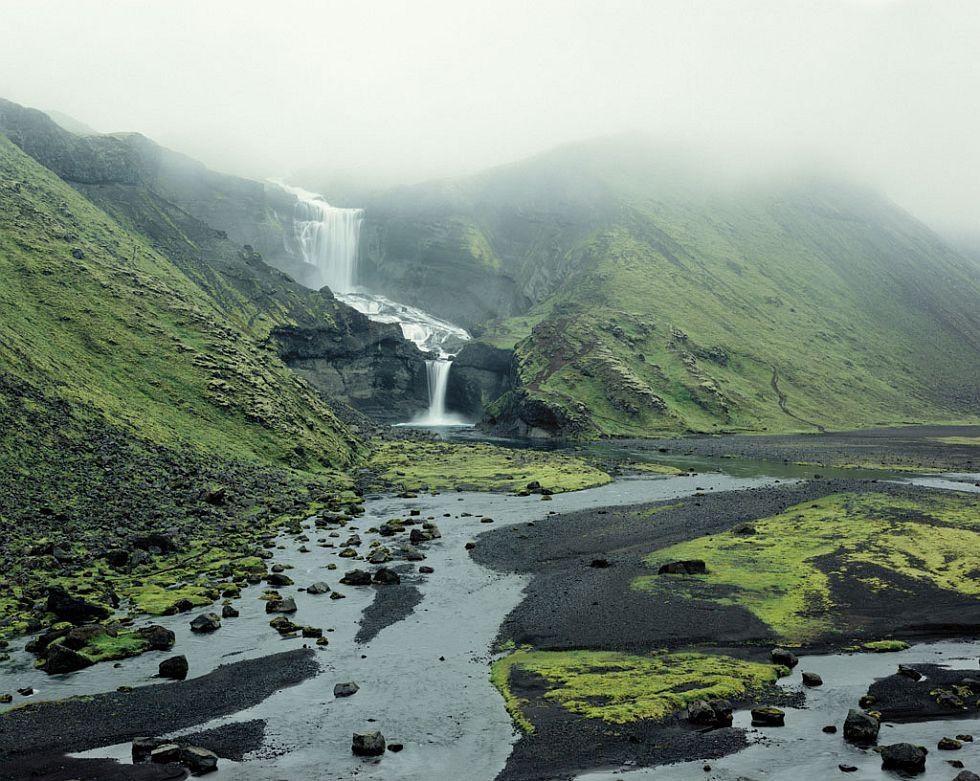 Ófaerufoss waterfall 2000