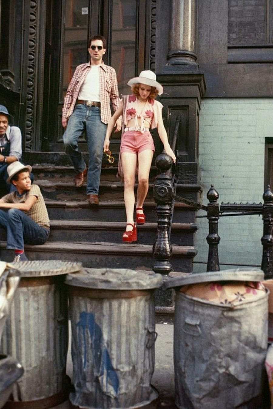 behind-the-scenes-jodie-foster-on-the-set-of-taxi-driver-1976-08