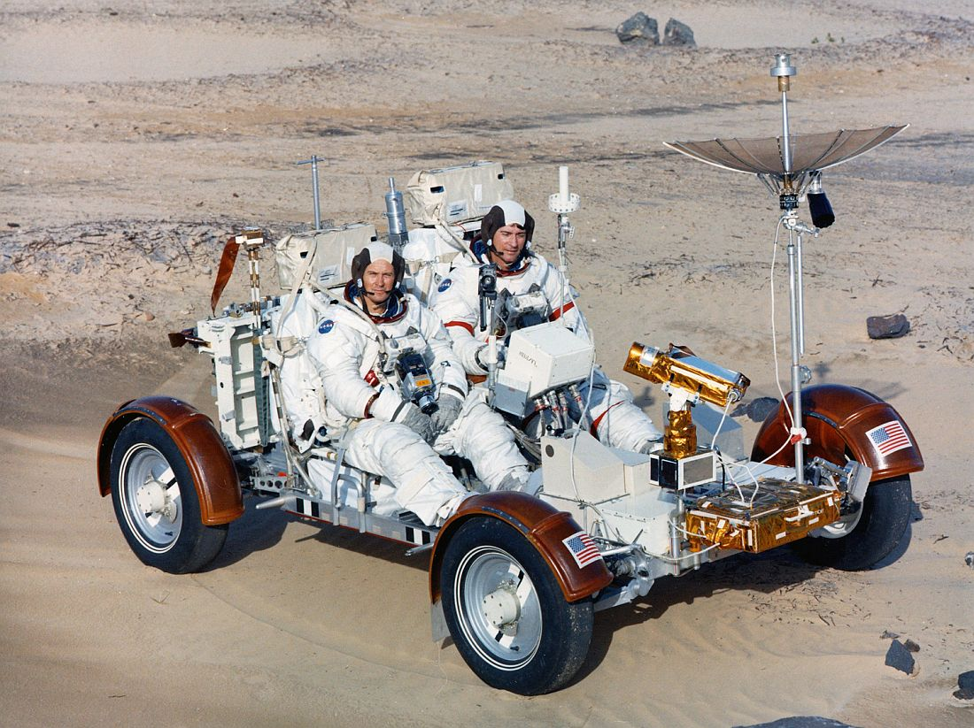 mission-apollo-16-1971-1972-01