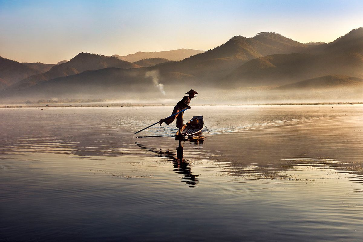 Steve mccurry photographs from the east photogrvphy for Best online photo gallery