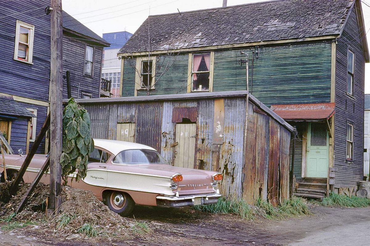 fred-herzog-vancouver-streets-in-1950s-and-1960s-13