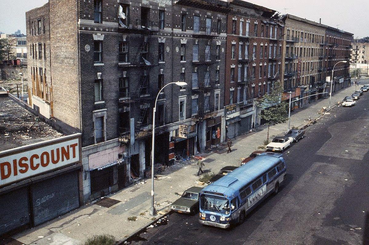 new-york-city-dark-side-in-the-1970s-16