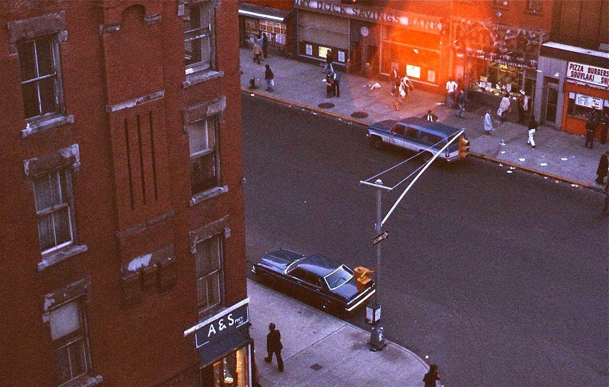 new-york-city-dark-side-in-the-1970s-17