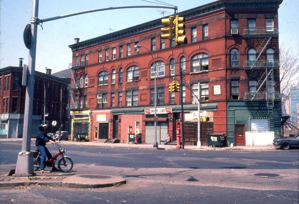 new-york-city-dark-side-in-the-1970s-20