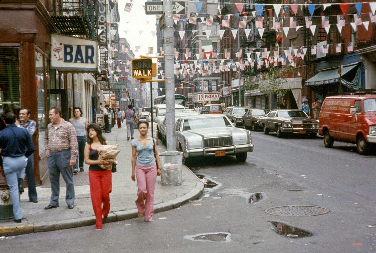 new-york-city-dark-side-in-the-1970s-24