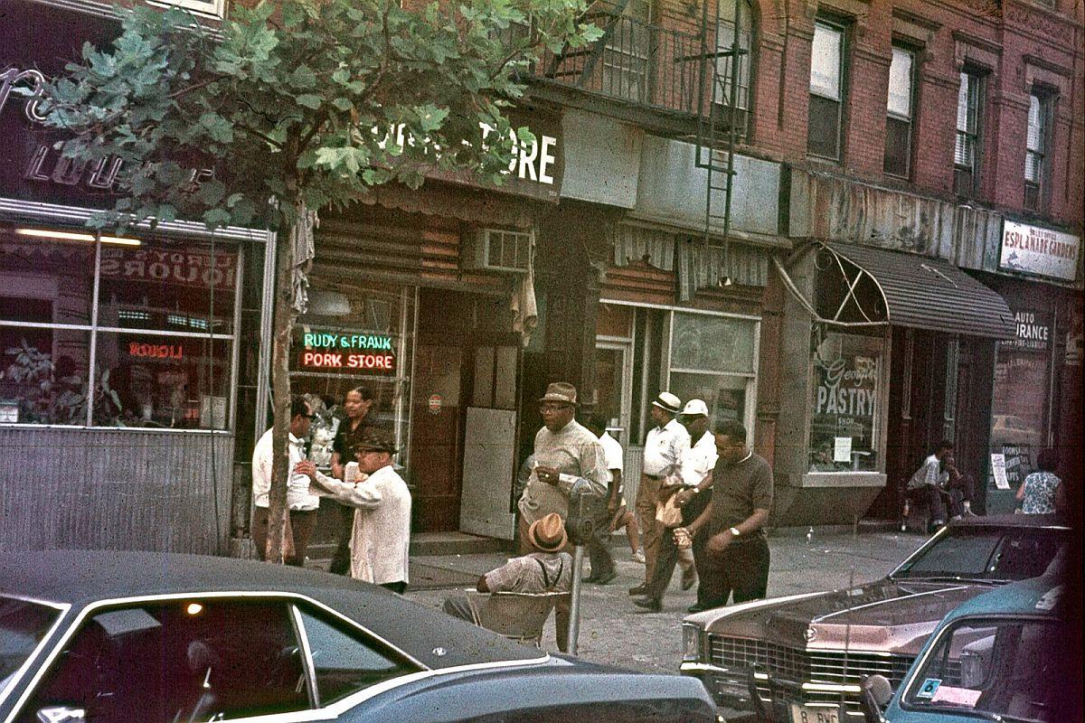 new-york-city-dark-side-in-the-1970s-26