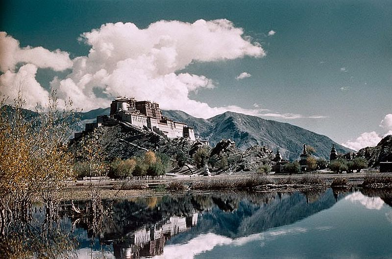 tibet-life-in-forbidden-lhasa-1940s-and-50s-01