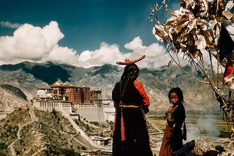 tibet-life-in-forbidden-lhasa-1940s-and-50s-07