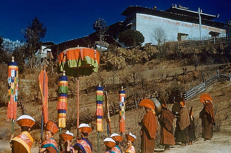 tibet-life-in-forbidden-lhasa-1940s-and-50s-09