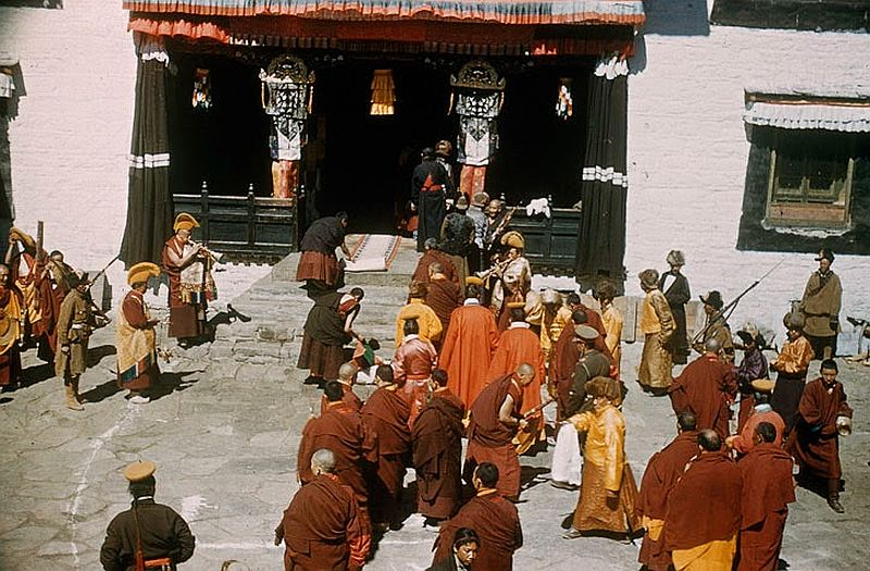 tibet-life-in-forbidden-lhasa-1940s-and-50s-10