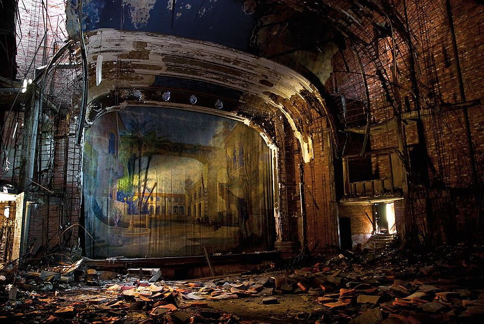 julia-solis-stages-of-decay-06