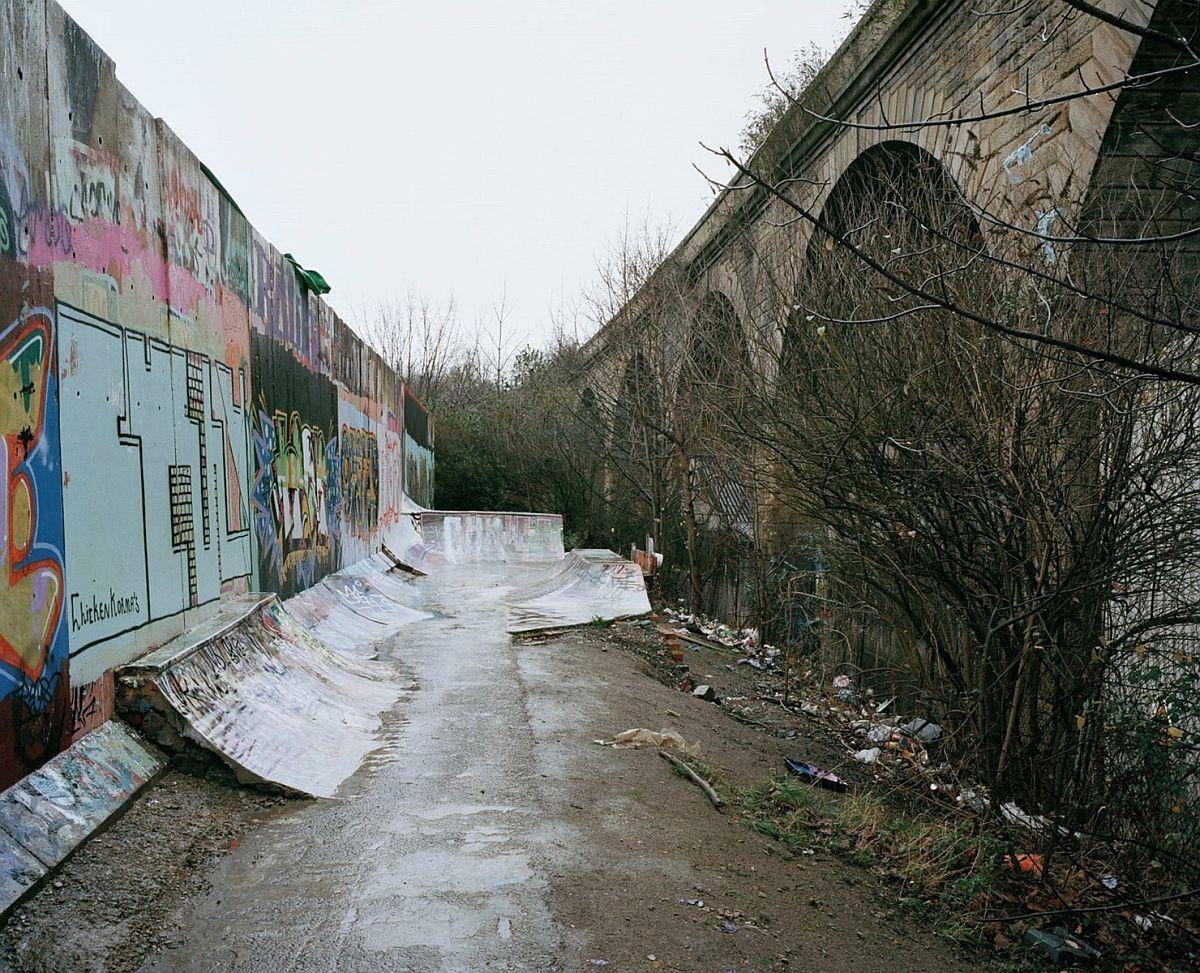 richard-gilligan-diy-underground-skateparks-02