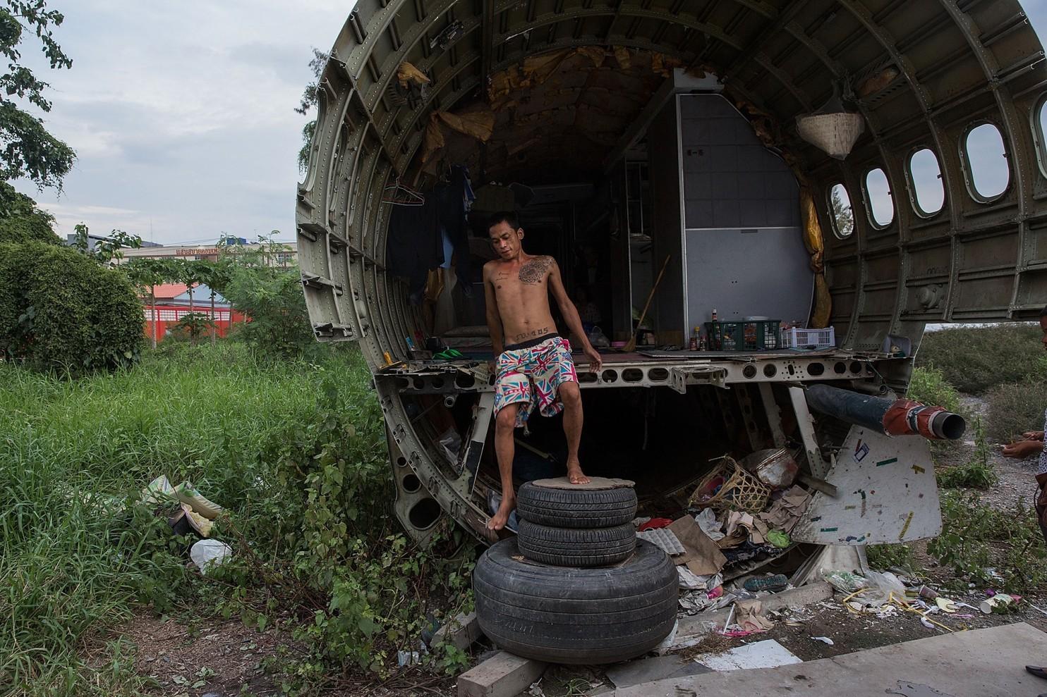 bangkok-airplanes-home-01