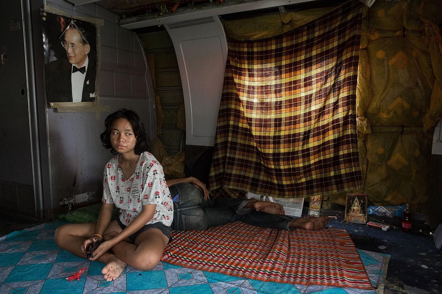 bangkok-airplanes-home-02