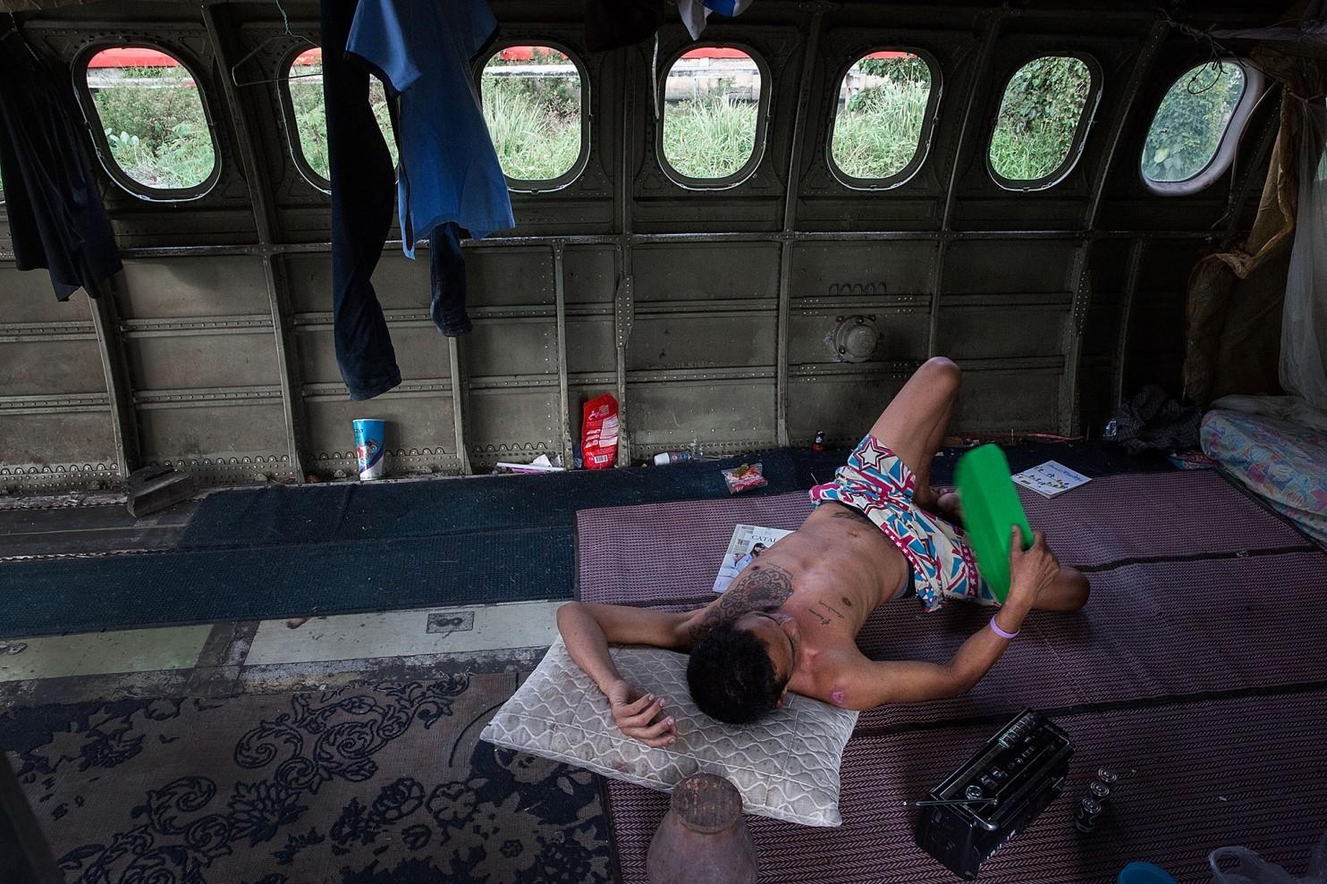 bangkok-airplanes-home-08