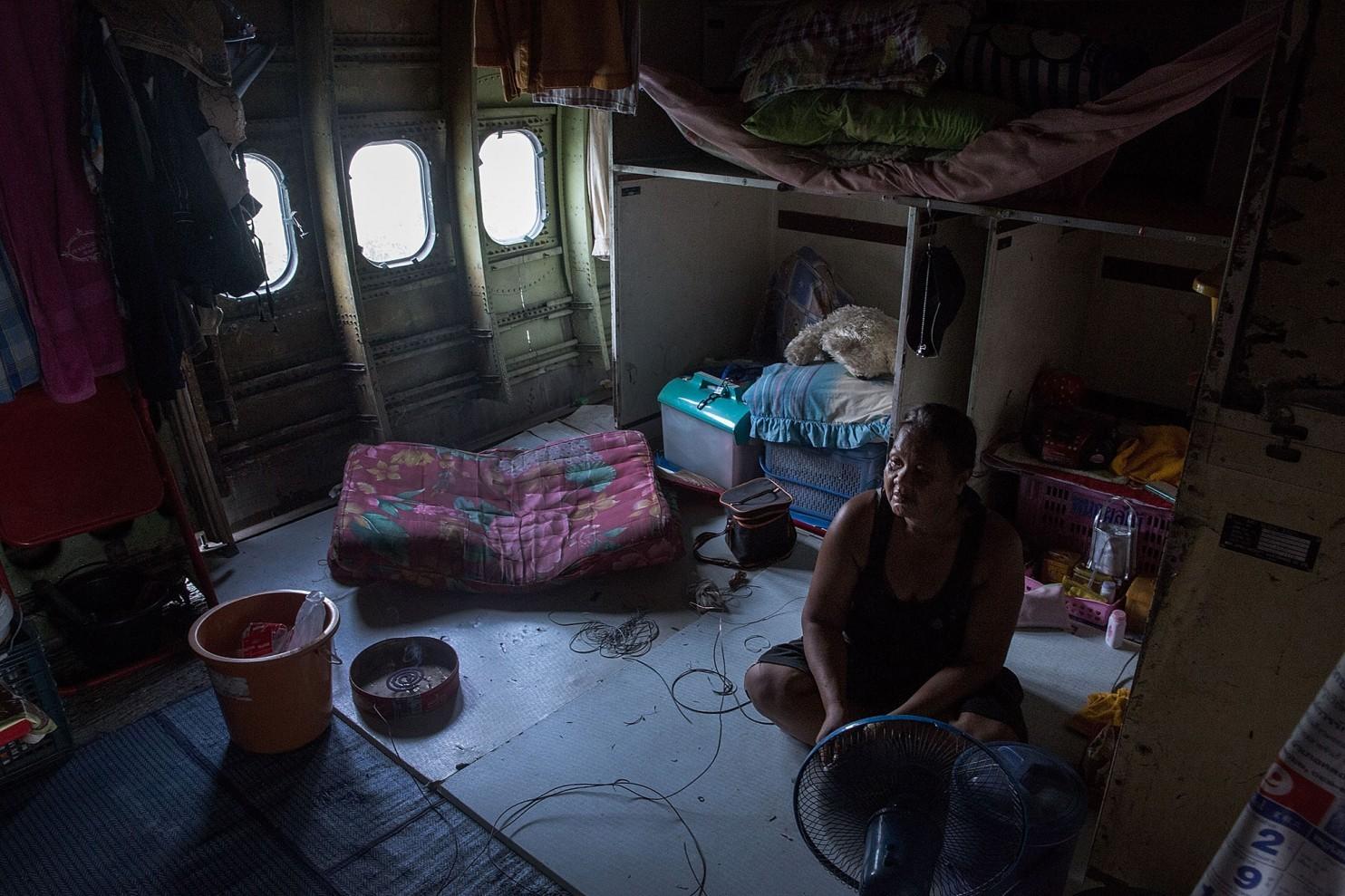 bangkok-airplanes-home-12
