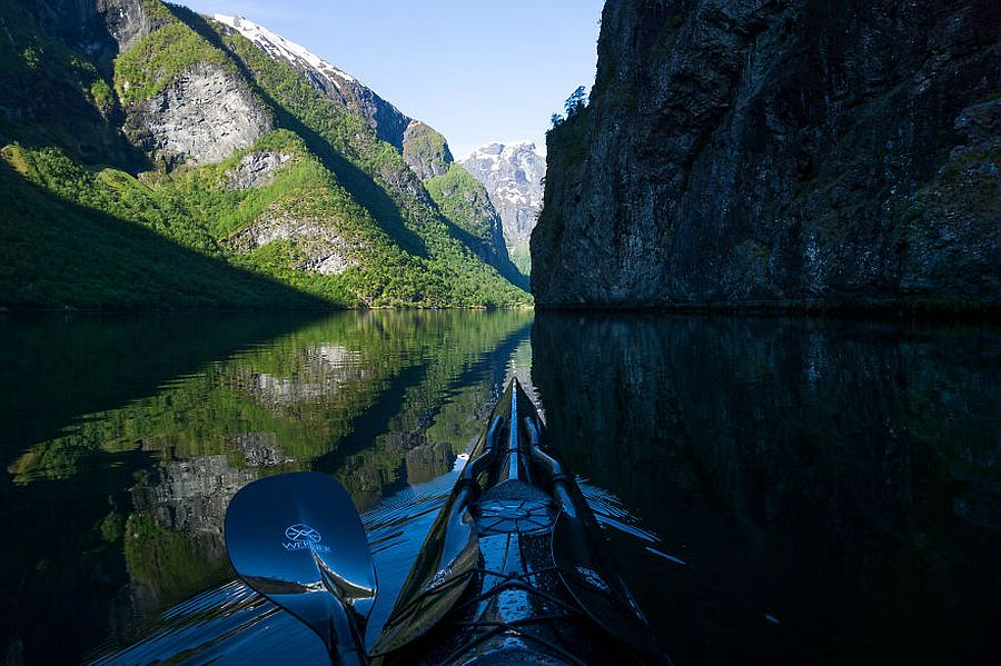tomasz-furmanek-the-fjords-of-norway-from-the-kayak-seat-01