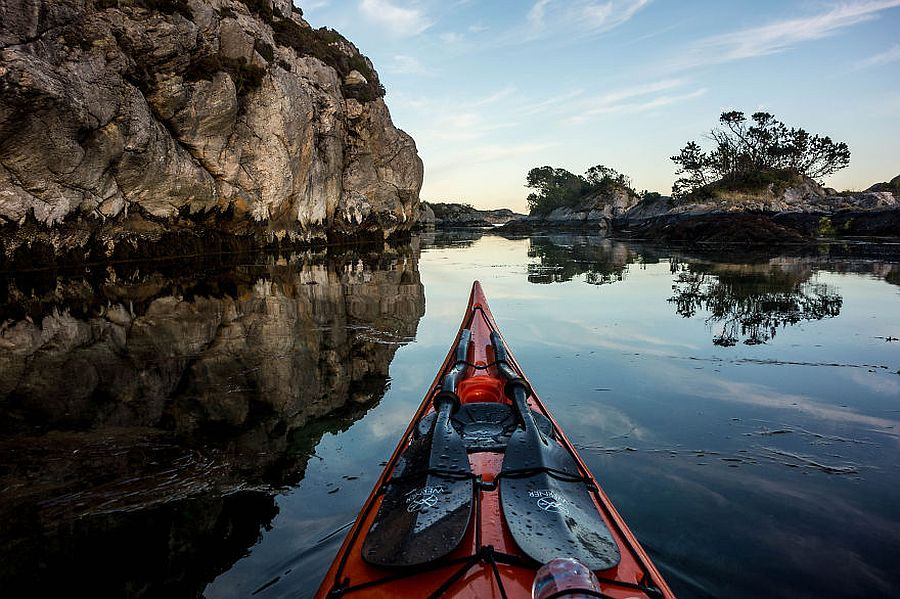 tomasz-furmanek-the-fjords-of-norway-from-the-kayak-seat-02