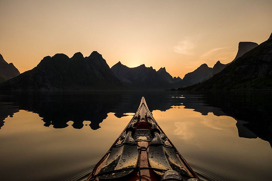 tomasz-furmanek-the-fjords-of-norway-from-the-kayak-seat-05