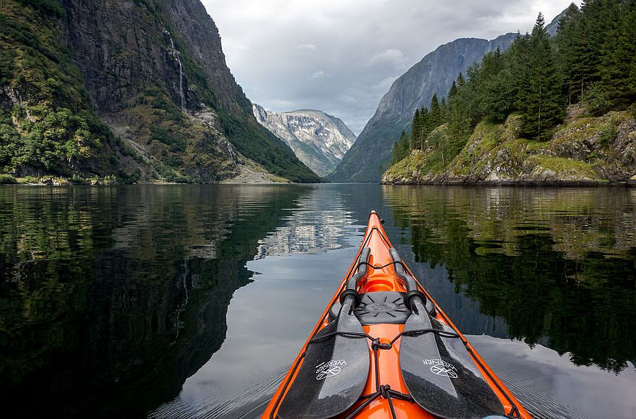 tomasz-furmanek-the-fjords-of-norway-from-the-kayak-seat-16