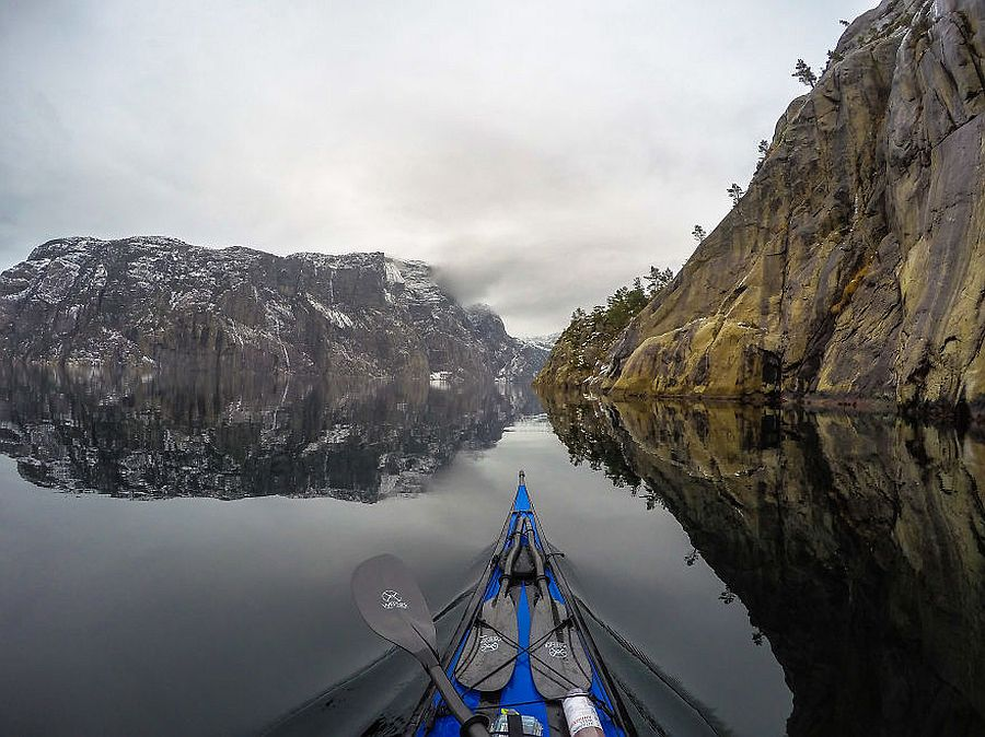 tomasz-furmanek-the-fjords-of-norway-from-the-kayak-seat-17