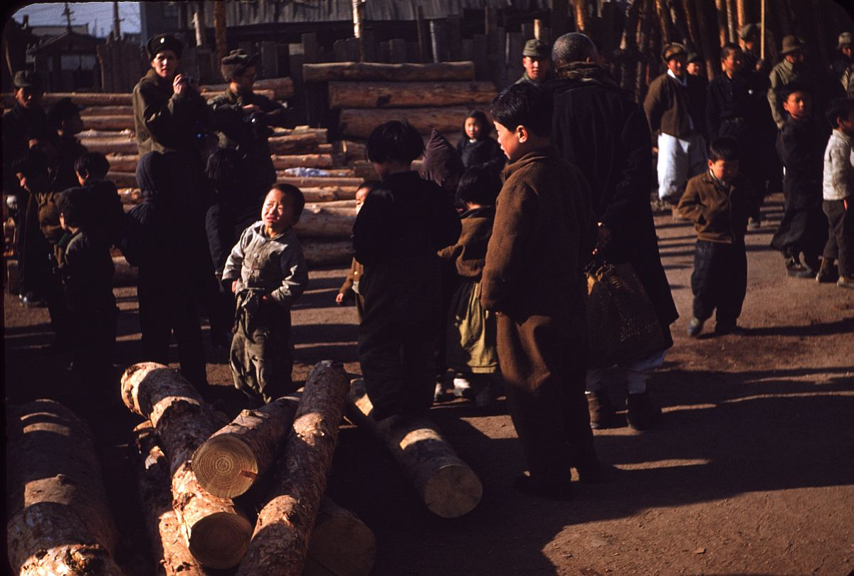 seoul-during-the-winter-korean-war-1952-22