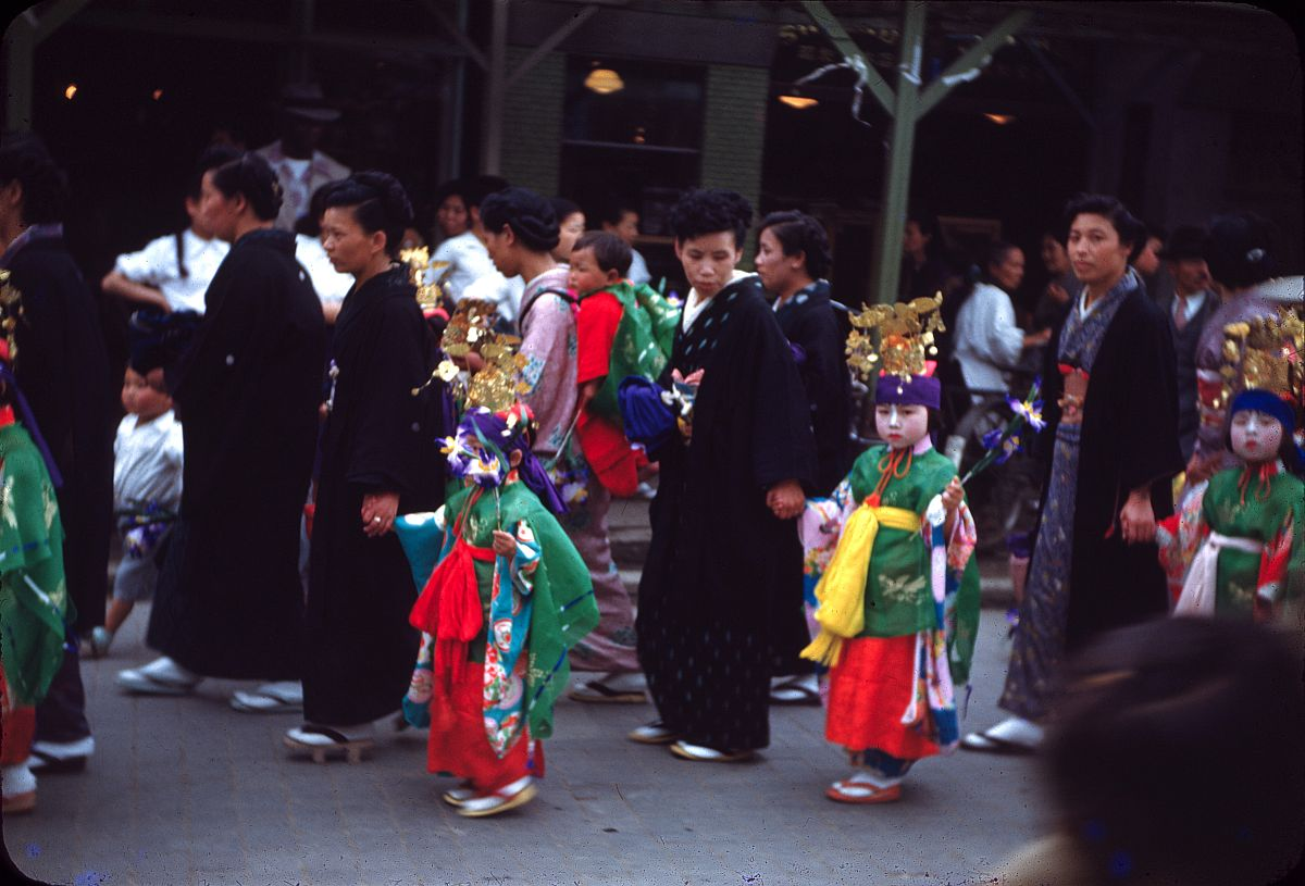vintage-color-everyday-life-in-japan-from-1949-1951-01