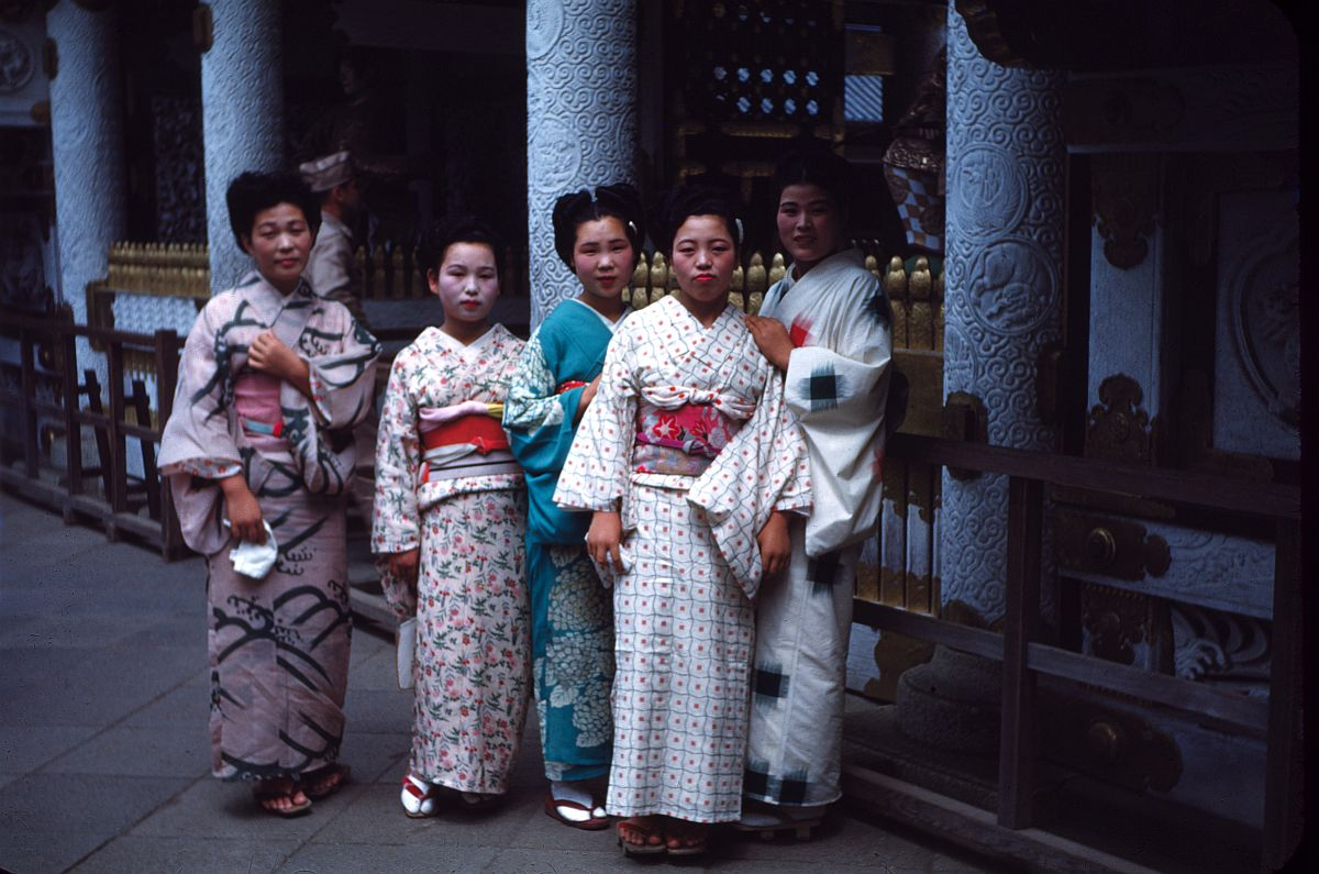 vintage-color-everyday-life-in-japan-from-1949-1951-02