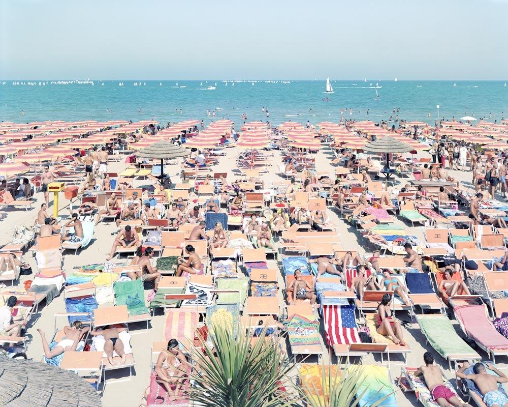 Beaches © Massimo Vitali