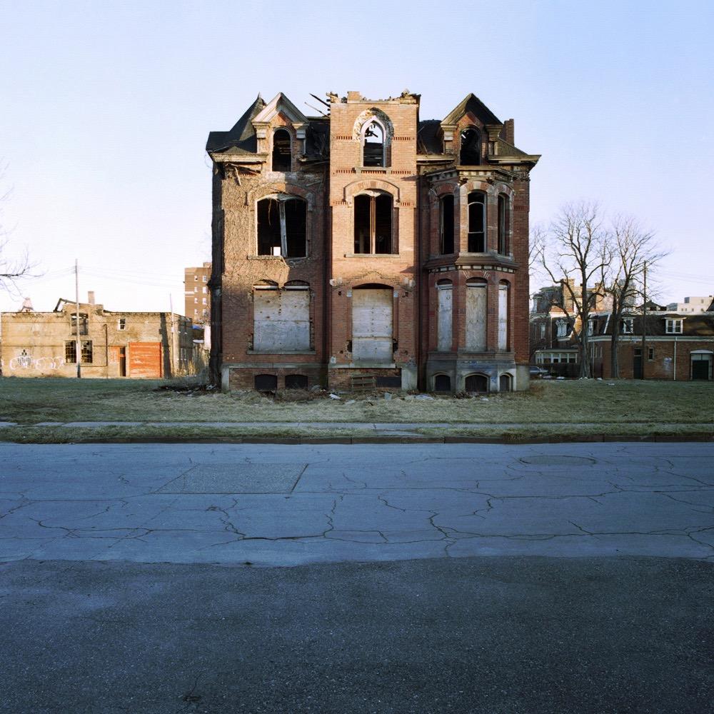 100 Detroit Abandoned Houses © Kevin Bauman