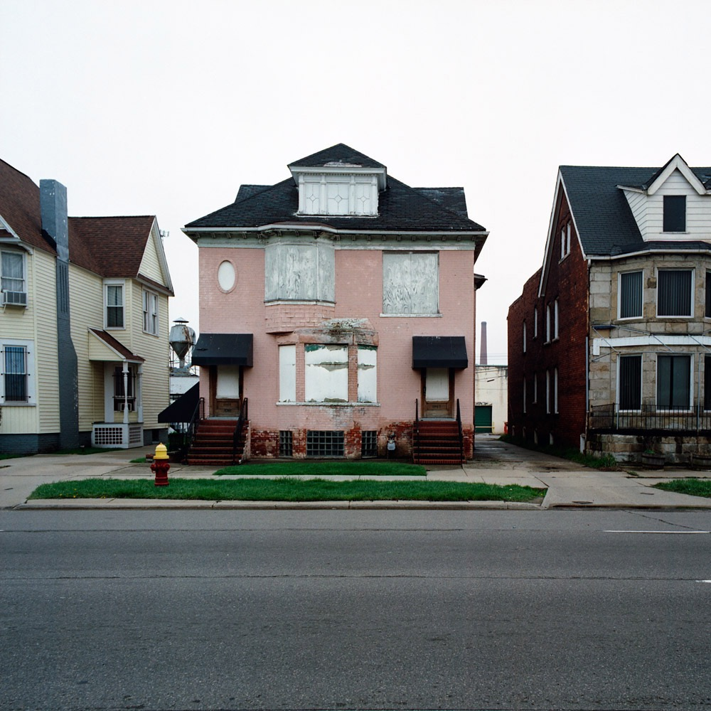 Kevin bauman 100 detroit abandoned houses photogrvphy for 100 houses
