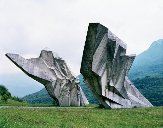 Spomeniks © Jan Kempenaers
