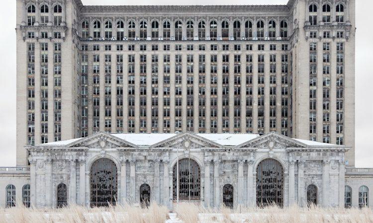 Jennifer Garza-Cuen: Detroit
