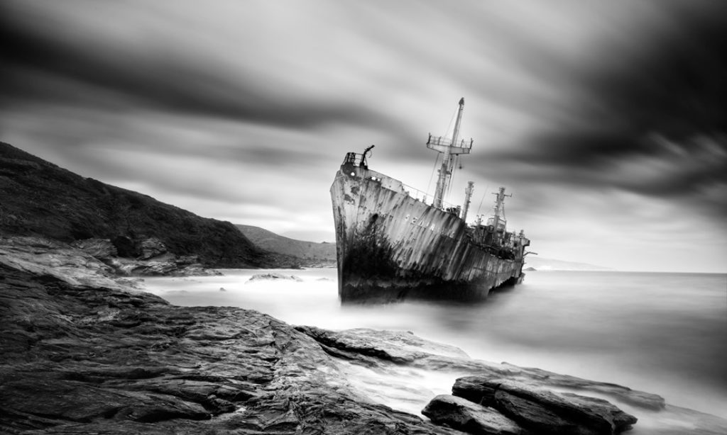 Vassilis Tangoulis: Minimal Landscapes in Black and White