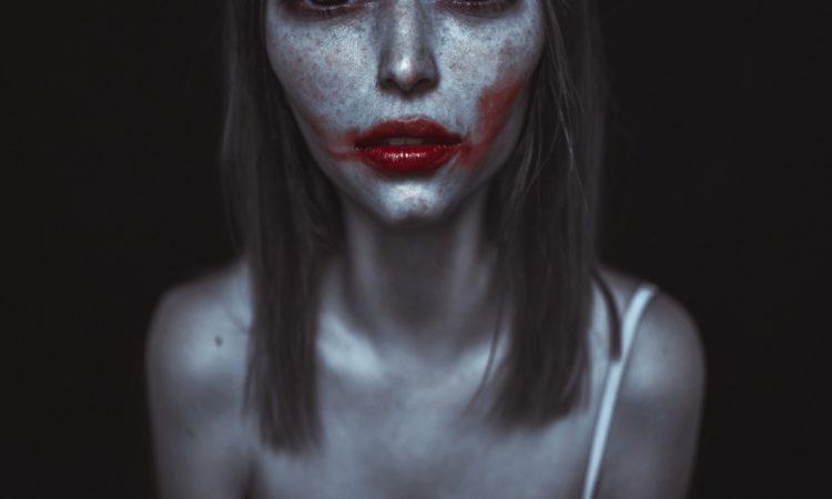 Dasha Chegarovskaya: The Aliens
