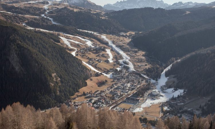 Marco Zorzanello: SNOW-LAND, Tourism in the Era of Climate Change